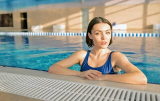 -Swimming-with-back-Pain
